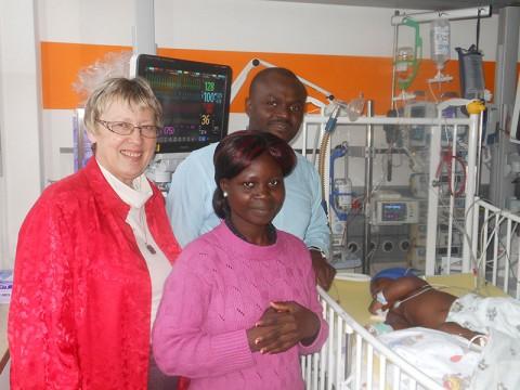 v.l. Margret Kopp, Mutter Lengue, Dr. Kodom, Nata