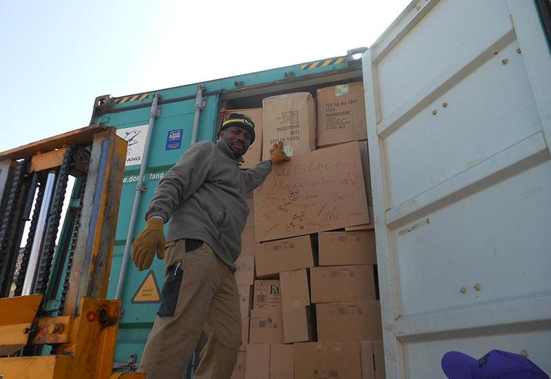 Containerbeladung 14. März 2014 - 2