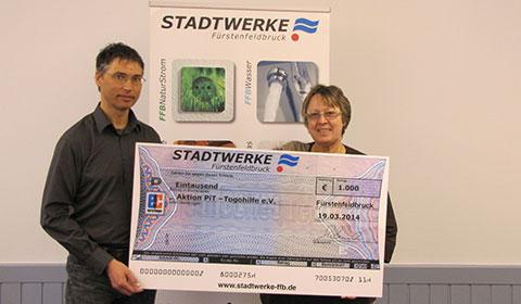 Scheckübergabe Stadtwerke Fürstenfeldbruck
