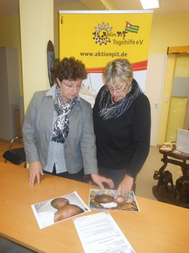Monika Baumgartner mit Margret Kopp