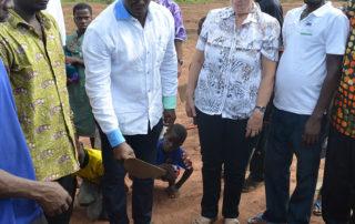 Auch der Chef von Aimes-Afrique Dr. Michel Kodom macht mit.