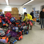 Noch sind viele Schultaschen im Lager