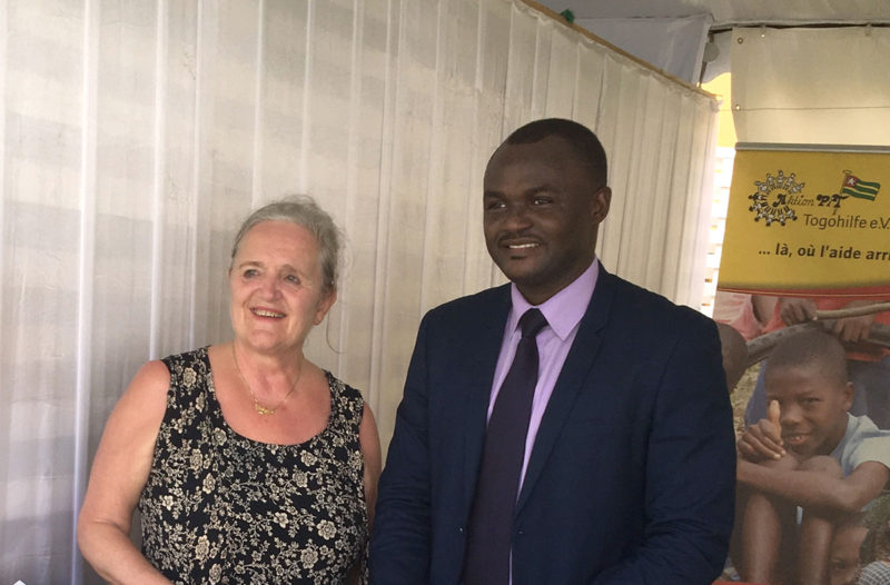 Frau Helene Prölß von der Stiftung Manager ohne Grenzen mit Dr. Michel Kodom von Aimes-Afrique