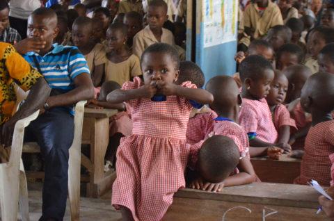 Sehr viele Kinder haben keine Geburtsbescheinigung in Kouma Apoti, Togo