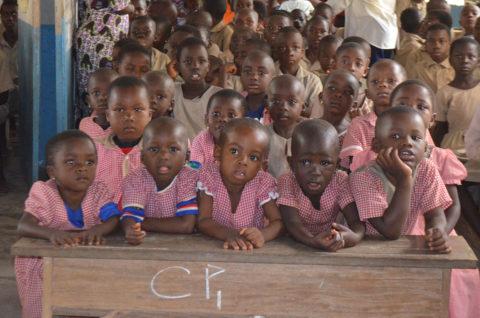 Kindergartenkinder in Kouma-Apoti in Togo Westafrika