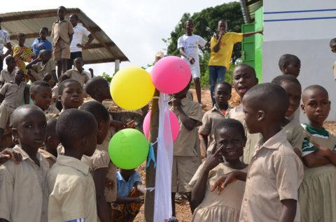 Treffen mit Patenkindern in Kouma Apoti, Togo, Afrika