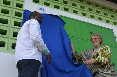 Feierliche Eröffnung der Schulkantine in Kouma Apoti