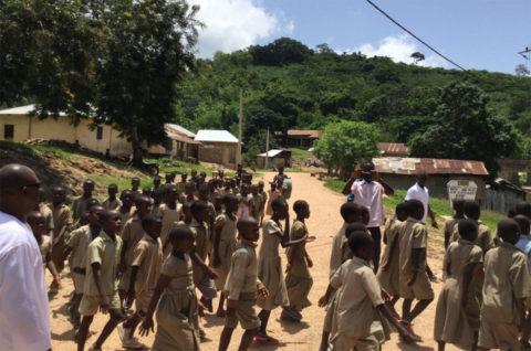 Die Schulkinder in Kouma Apoti in Togo