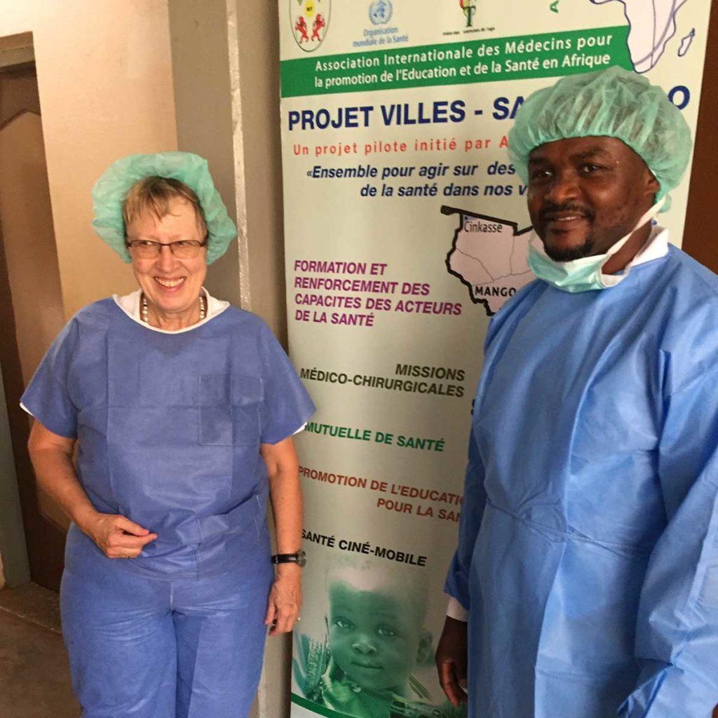 Margret Kopp besucht Dr. Michel Kodom von Aimes-Afrique beim Ärzte-Einsatz im März 2019