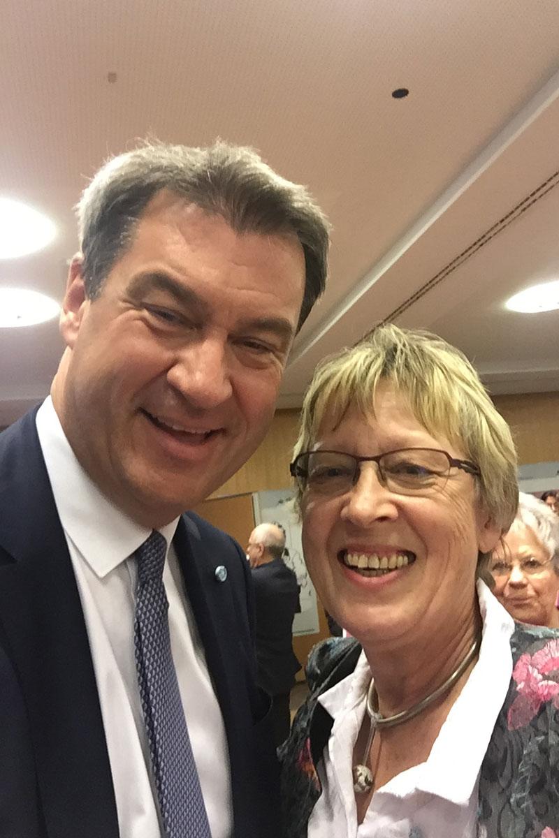 Margret Kopp mit Ministerpräsidenten Dr. Markus Söder