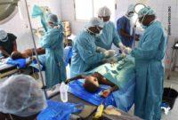 Kinder im OP-Saal in Pagouda