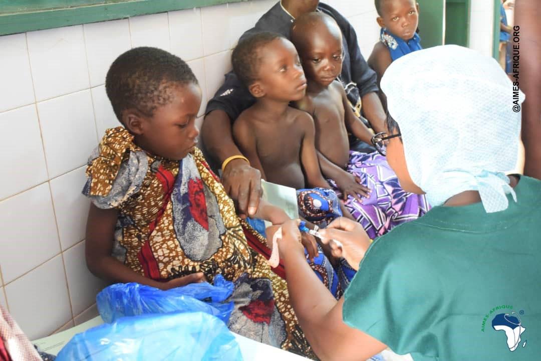 Kinder vor der Operation
