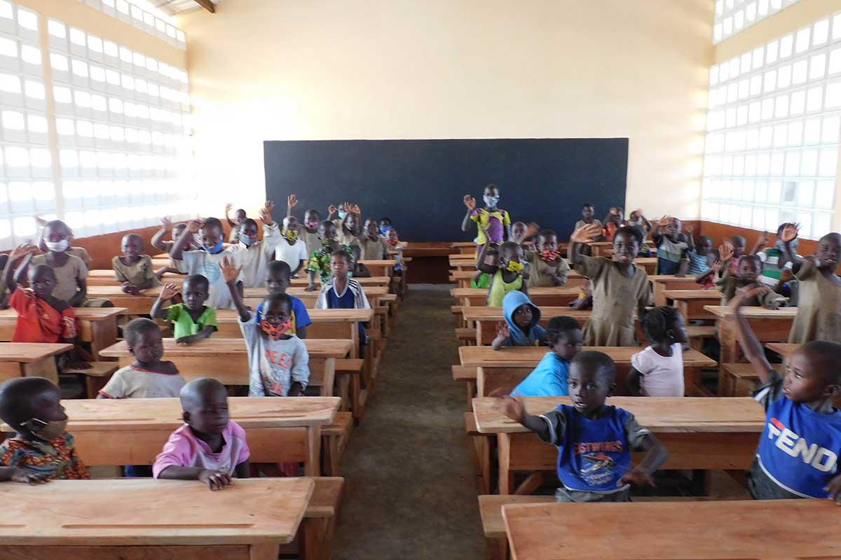 Eine neue Schulklasse in Djabagbal
