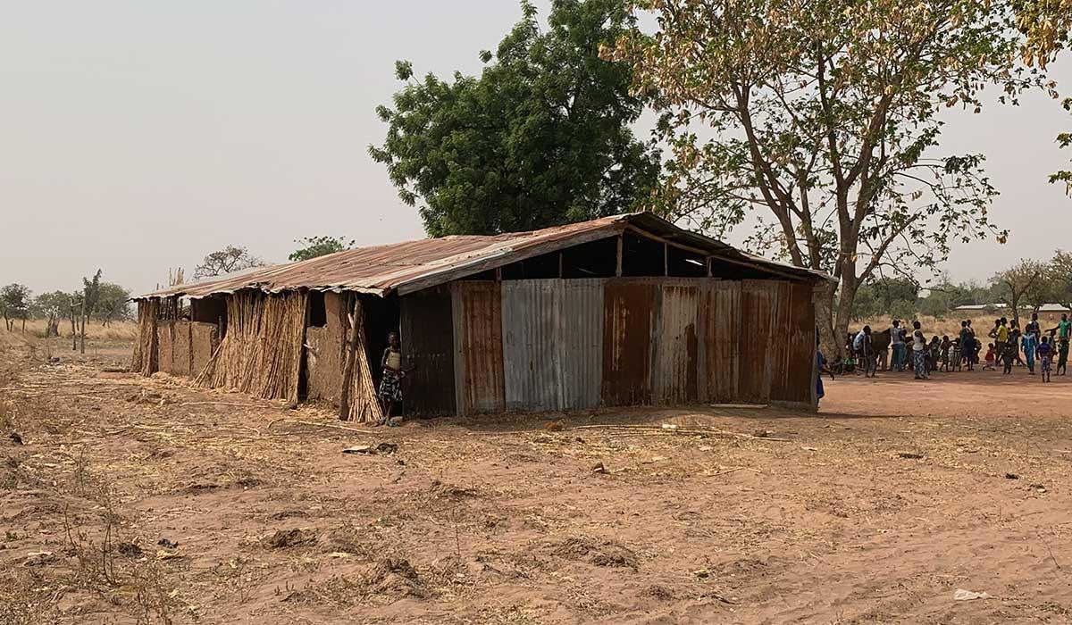Die alte Schule in Djabagbal