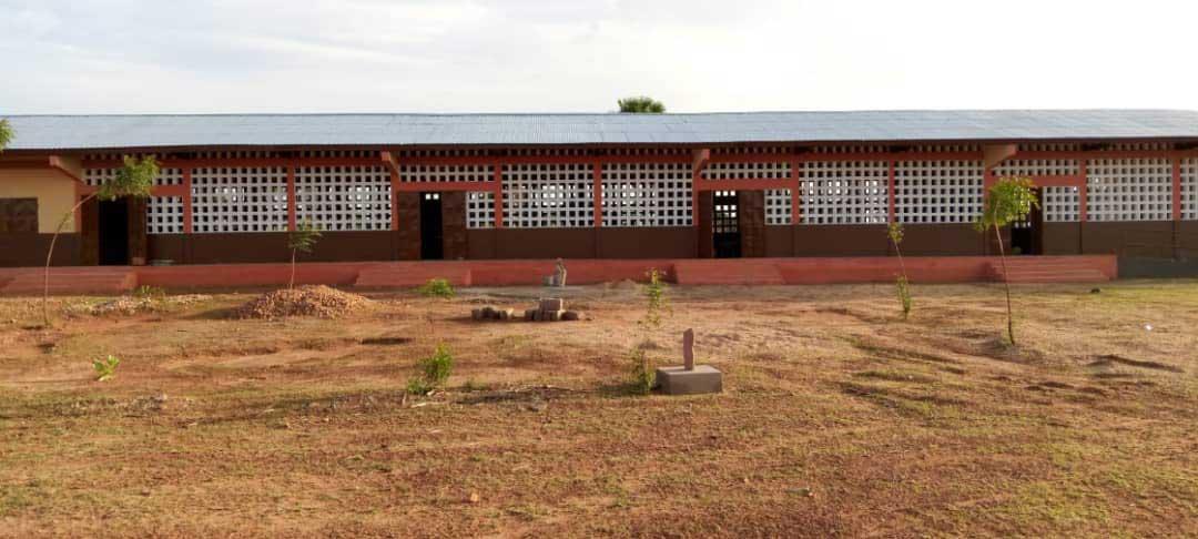 Die fertige Schule in Nagou