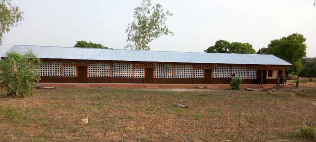 Die fertige Schule in Wakpelogue